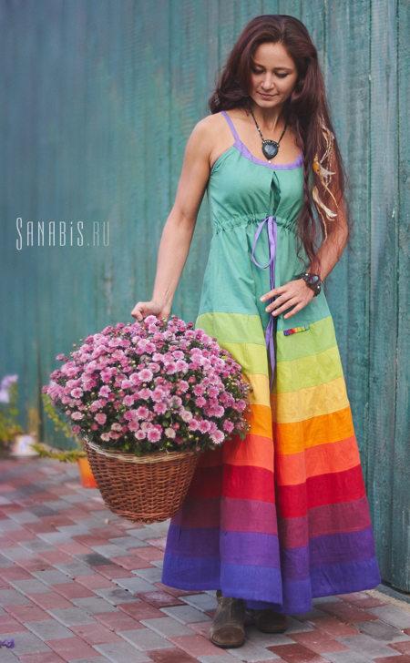 Льняной сарафан изумрудного цвета